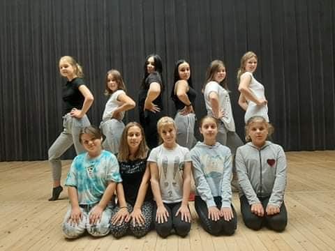 Sekcja taneczna. Uczestnicy III grupy.
